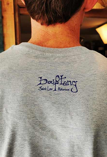 La Baleine - Tee-shirt - Sérigraphie artisanale - Saint-Leu île de la Réunion - Coton 100% Biologique - Équitable - Dessin original Bouftang